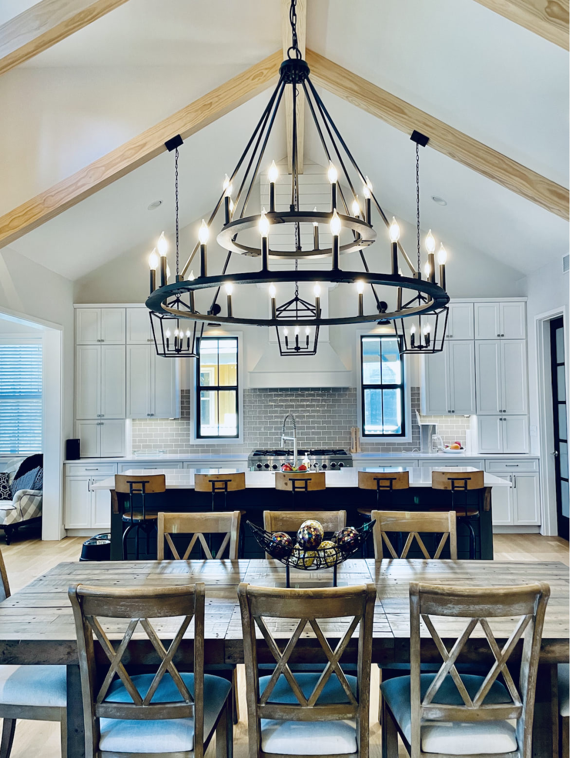 Lake Cove dining area with chandelier