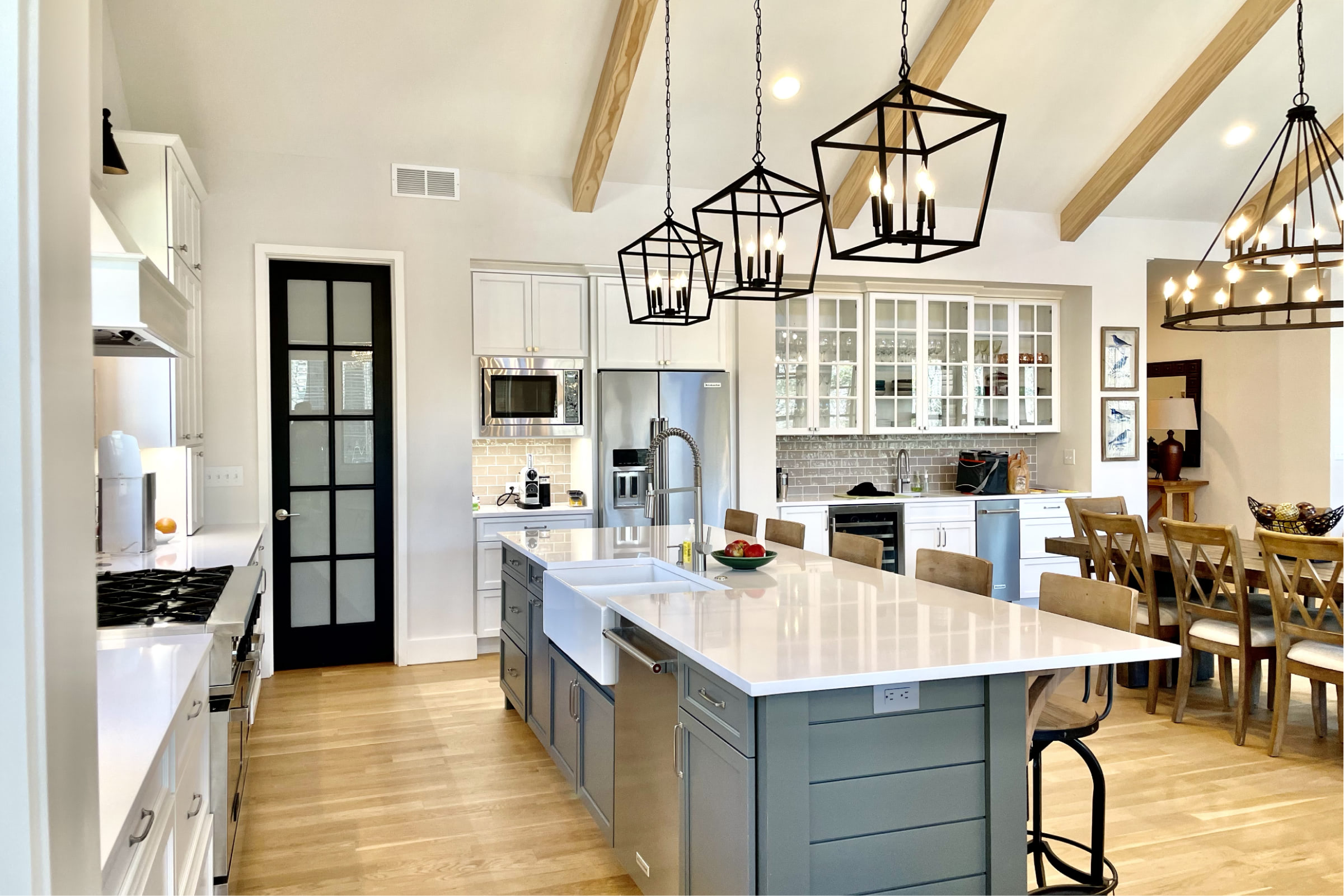 Lake Cove kitchen and dining lighting