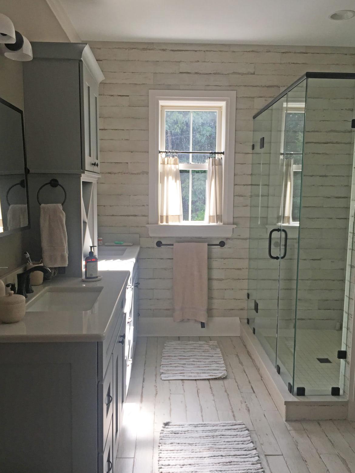Upper 15 bathroom